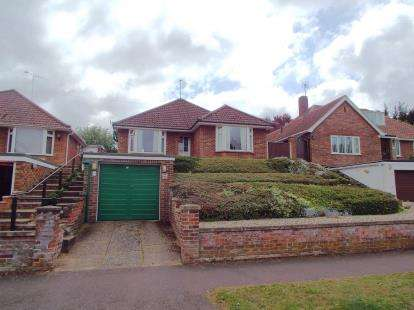 3 Bedrooms Bungalow for sale in Norwich, Norfolk