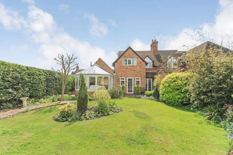 3 Bedrooms Semi Detached House for sale in Ledburn, Buckinghamshire