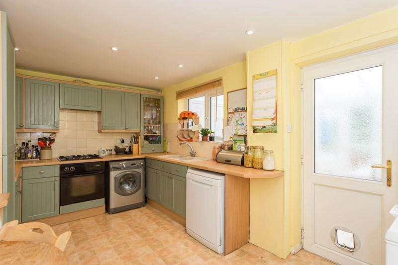 4 Bedrooms Terraced House for sale in Webb Crescent, Chipping Norton