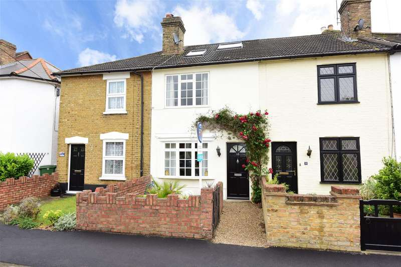 3 Bedrooms Property for sale in Cambridge Road, Walton-On-Thames