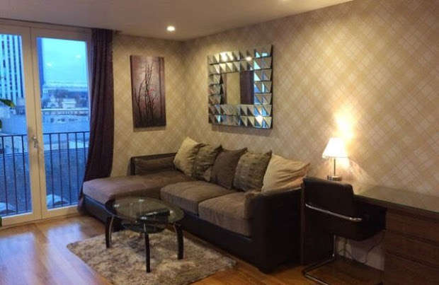 2 Bedrooms Flat for rent in The Hayes, Cardiff, CF10