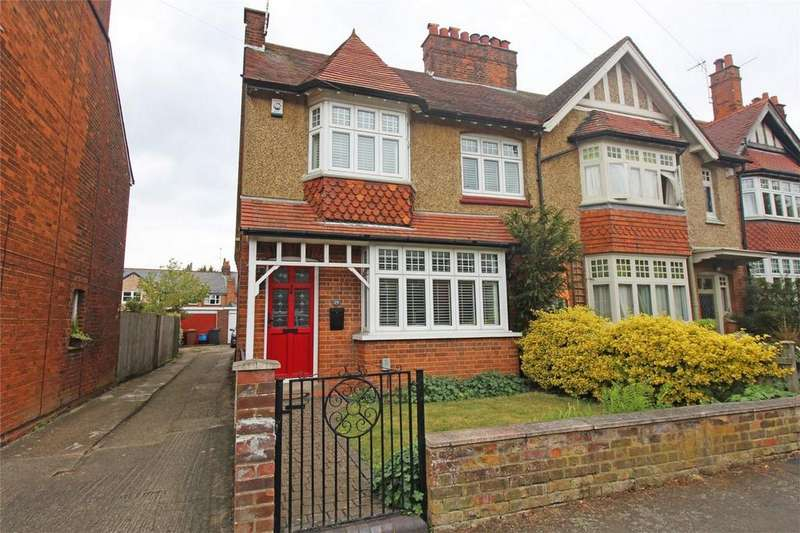 3 Bedrooms Semi Detached House for sale in Basils Road, Stevenage, Hertfordshire