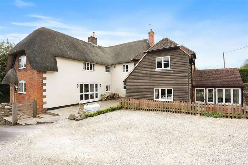 5 Bedrooms Detached House for sale in Woodborough, Pewsey