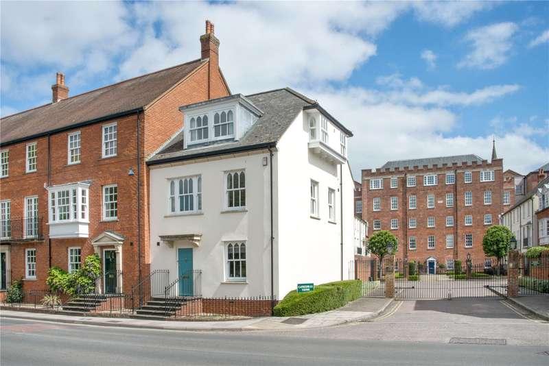 3 Bedrooms Semi Detached House for sale in Cathedral Views, Crane Bridge Road, Salisbury, Wiltshire, SP2