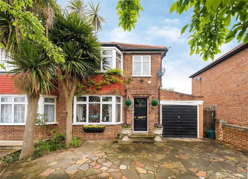 3 Bedrooms Semi Detached House for sale in Braithwaite Gardens, Stanmore, HA7