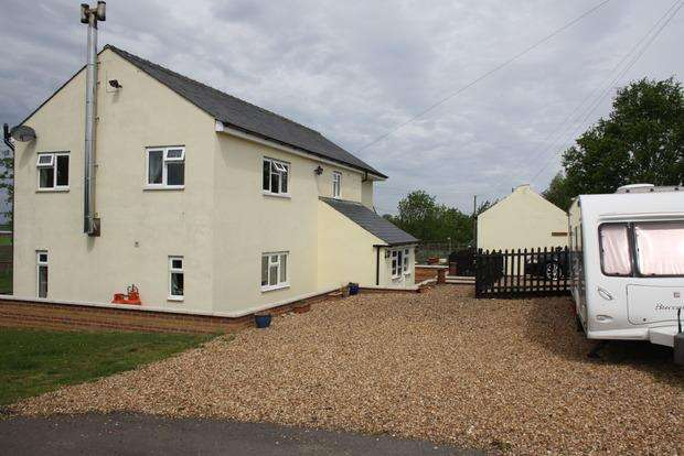 4 Bedrooms Farm House Character Property for sale in Coneywood Road, Doddington, March, PE15