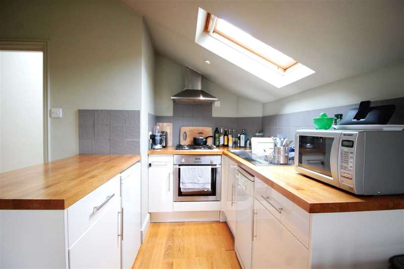 2 Bedrooms Flat for sale in Holmewood Gardens, Brixton