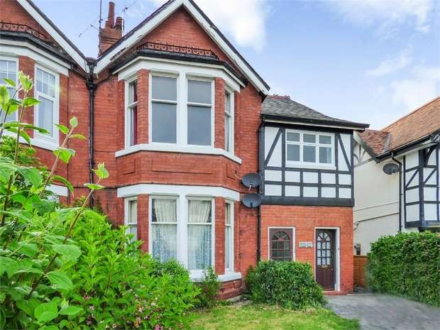 3 Bedrooms Flat for sale in Whitehall Road, Rhos on Sea, Colwyn Bay, Conwy