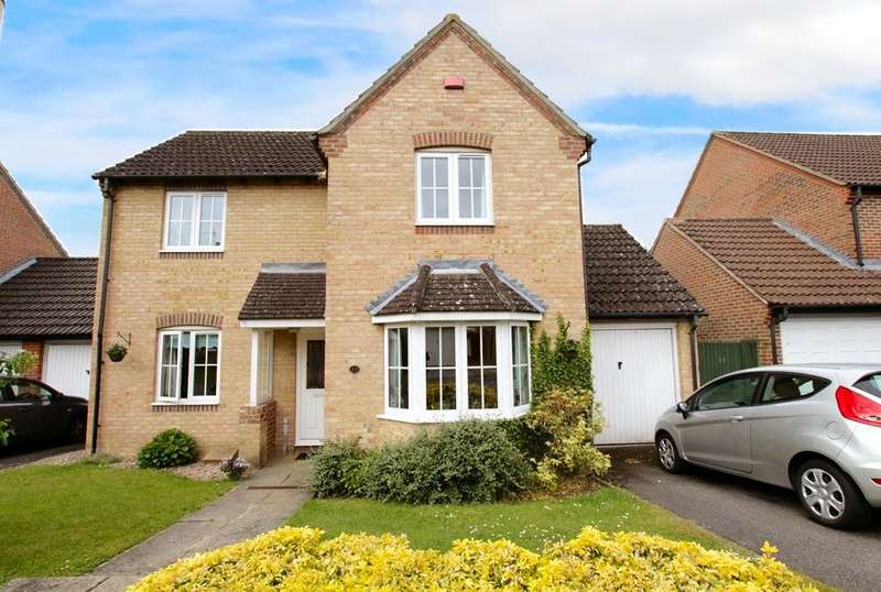 3 Bedrooms Detached House for sale in Trefoil Drove, Thatcham, RG18
