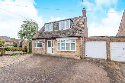 4 Bedrooms Bungalow for sale in Ullswater Avenue, Gunthorpe, Peterborough, Cambridgeshire