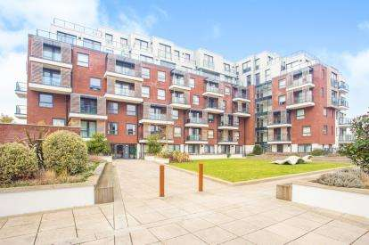 1 Bedroom Flat for sale in Brunel Court, 201 Green Lane, Edgware, London