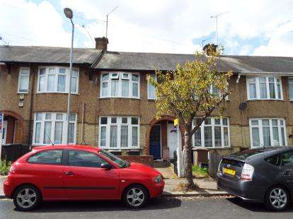 2 Bedrooms Terraced House for sale in St. Monicas Avenue, Luton, Bedfordshire
