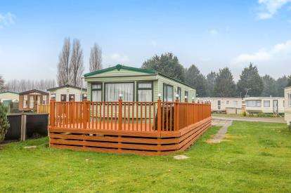2 Bedrooms Mobile Home for sale in New Bird Lake View, Billing Aquadrome, Northampton, Northants
