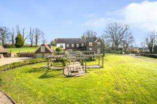 5 Bedrooms Detached House for sale in Brook Street, Woodchurch, Ashford, Kent