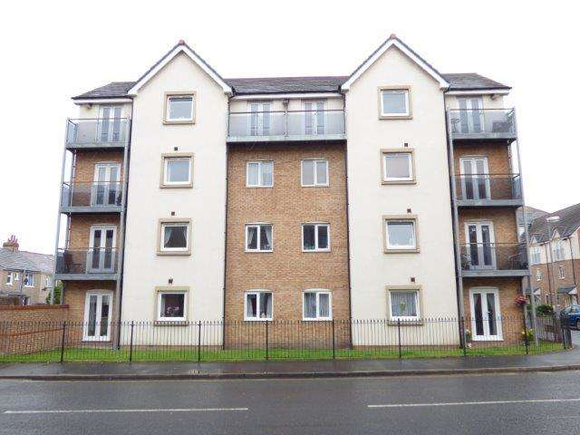 2 Bedrooms Flat for sale in Plover House, Mears Beck Close, Heysham, Morecambe, LA3 1FL