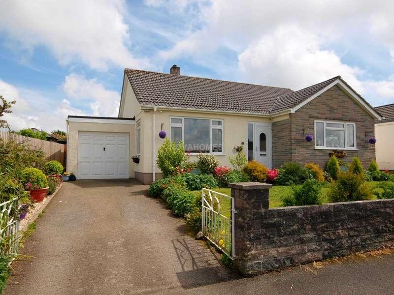 3 Bedrooms Detached Bungalow for sale in Callington, PL17 7HB