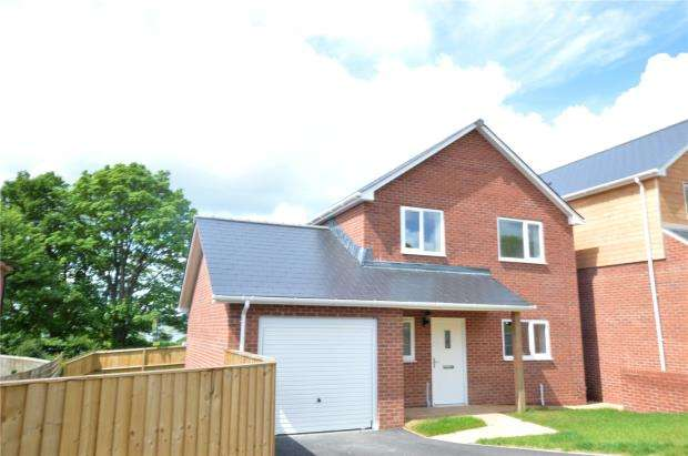 4 Bedrooms Detached House for sale in Exeter Road, Exmouth