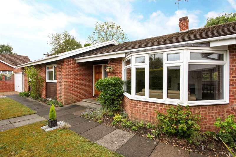 3 Bedrooms Detached House for sale in Woodland Avenue, Windsor, Berkshire, SL4