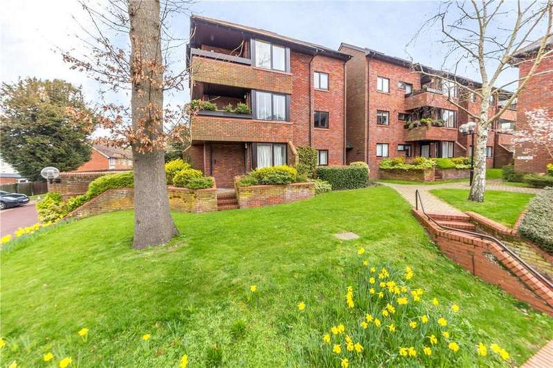 2 Bedrooms Flat for sale in Tankerfield Place, St. Albans, Hertfordshire
