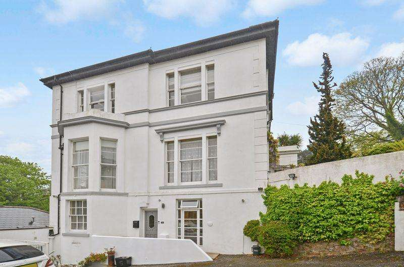2 Bedrooms Flat for sale in Lower Erith Road, Torquay