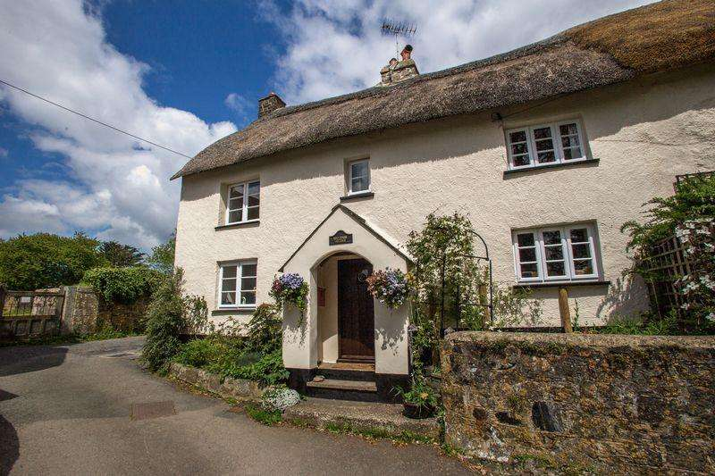 2 Bedrooms Cottage House for sale in Edgecumbe Cottage, Drewsteignton