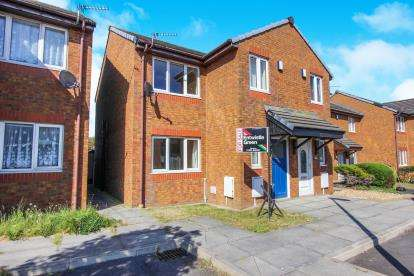 3 Bedrooms Semi Detached House for sale in Warren Grove, Thornton-Cleveleys, FY5