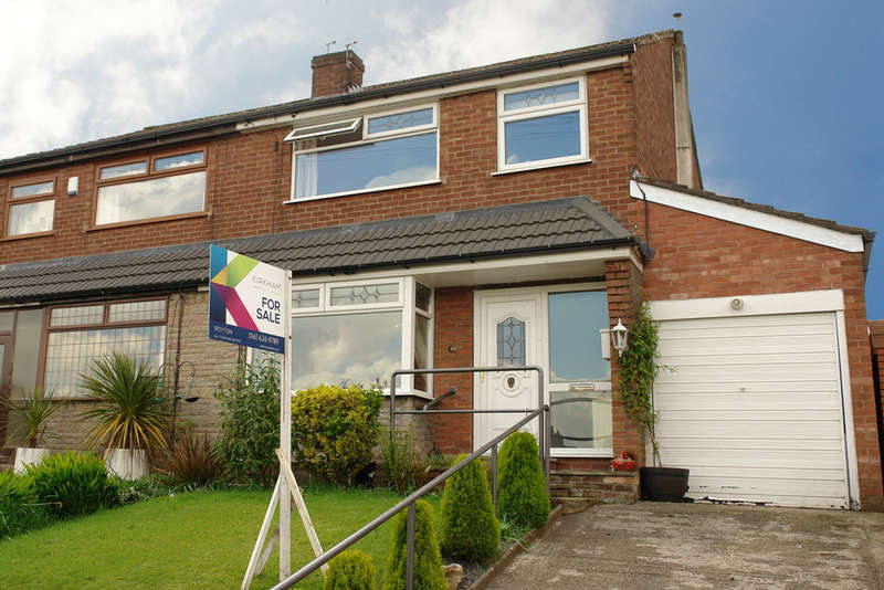 3 Bedrooms Semi Detached House for sale in 15 Higher Turf Park, Royton