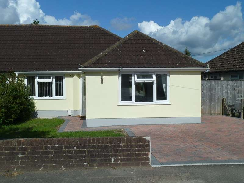 3 Bedrooms Semi Detached Bungalow for sale in Wicket Road, Kinson, Bournemouth