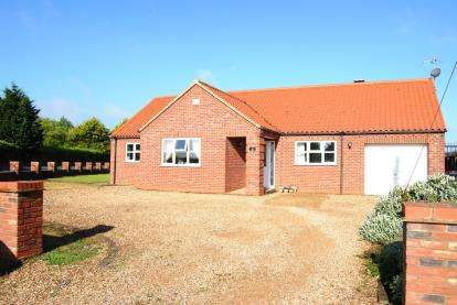 3 Bedrooms Bungalow for sale in Terrington St. Clement, King's Lynn, Norfolk