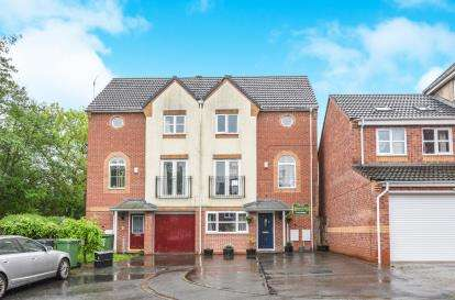 4 Bedrooms Semi Detached House for sale in Turnpike Lane, Brockhill, Redditch, Worcestershire