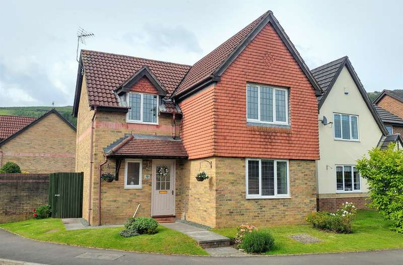 4 Bedrooms Detached House for sale in Tyn Y Waun Road, Machen, Caerphilly