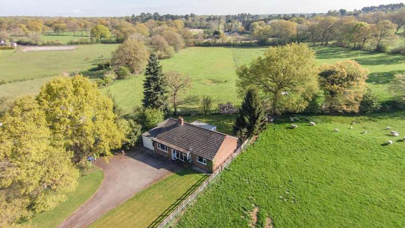 2 Bedrooms Detached Bungalow for sale in Rushbrook Lane, Tanworth-In-Arden, Solihull