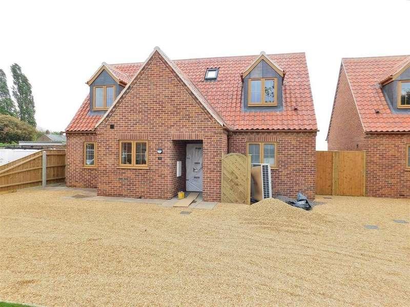 3 Bedrooms Chalet House for sale in Tilney St. Lawrence, Norfolk