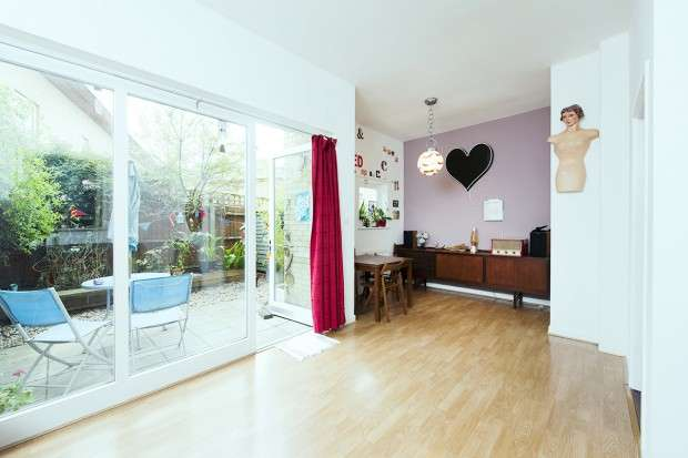 3 Bedrooms Flat for sale in Roman Court Roman Way, Islington, N7