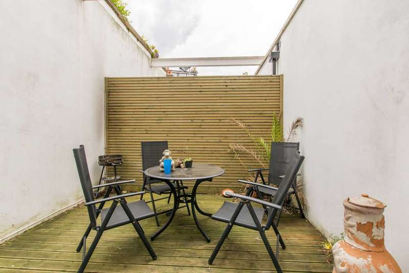 2 Bedrooms Flat for sale in St Stephen's Terrace, Stockwell, SW8