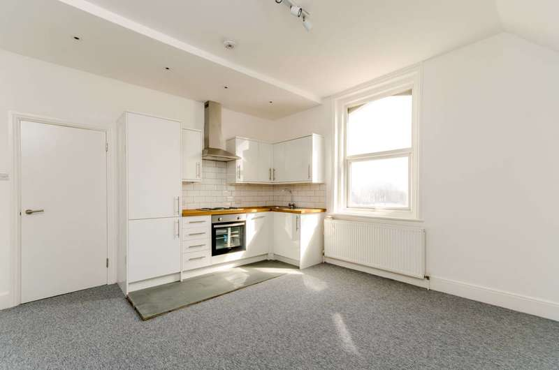 2 Bedrooms Flat for sale in Selhurst Road, Croydon, SE25