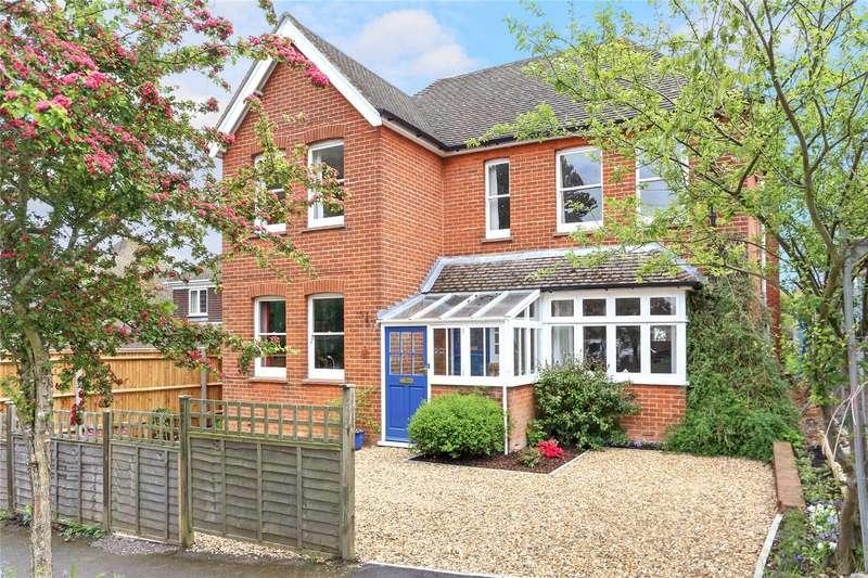 5 Bedrooms Detached House for sale in St. Johns Road, Farnham, Surrey, GU9
