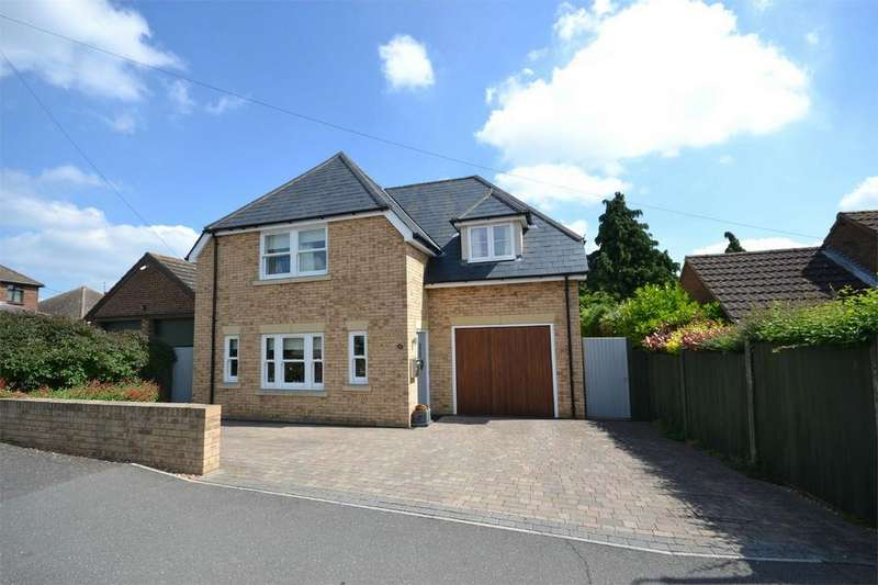 4 Bedrooms Detached House for sale in Acacia Drive, Maldon, Essex