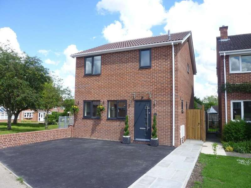 3 Bedrooms Detached House for sale in Dilton Marsh