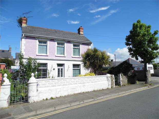 2 Bedrooms Detached House for sale in 1, Mackworth Road, Porthcawl, Mid Glamorgan