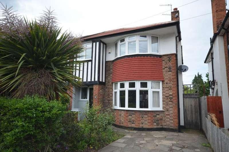 3 Bedrooms Semi Detached House for sale in Upwood Road Lee SE12