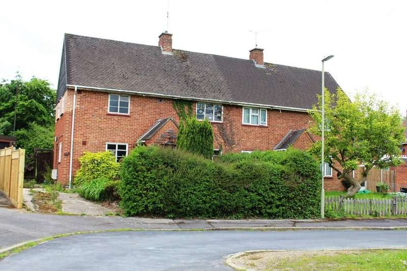 3 Bedrooms Semi Detached House for sale in Hobart Drive, Hythe, Southampton
