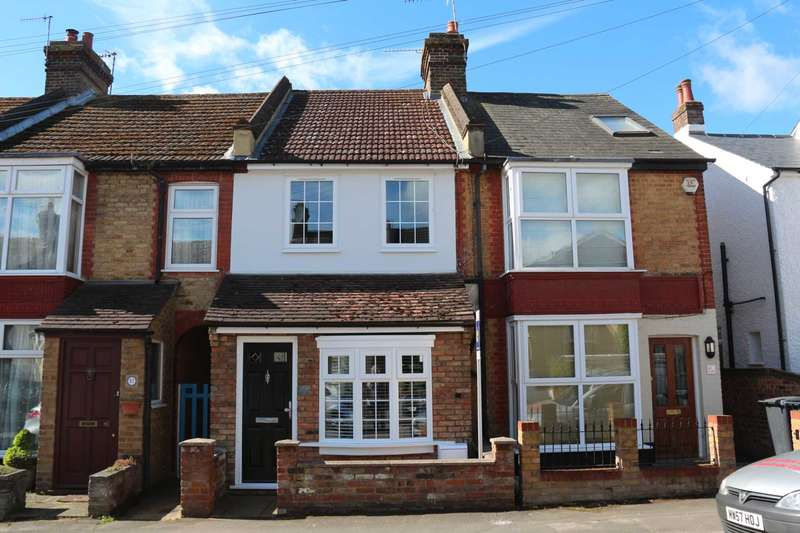 2 Bedrooms Terraced House for sale in REFURBISHED 2 BED CHARACTER HOME IN Horsecroft Road, Boxmoor