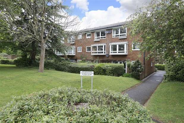 1 Bedroom Flat for sale in Tidenham Gardens, Croydon