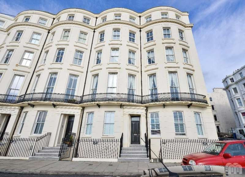 3 Bedrooms Flat for rent in Percival Terrace Brighton East Sussex BN2