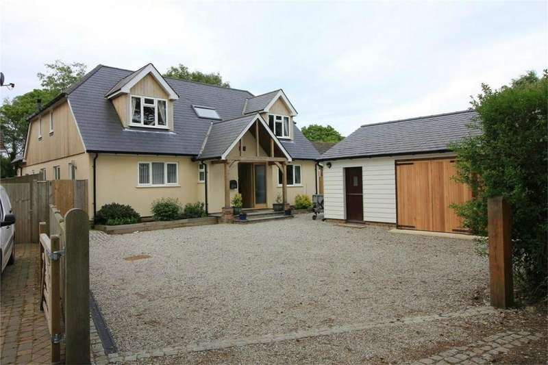 5 Bedrooms Detached House for sale in Morgay Wood Lane, THREE OAKS, East Sussex