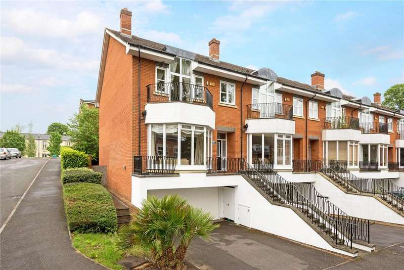 5 Bedrooms End Of Terrace House for sale in Cambridge Square, Redhill, RH1