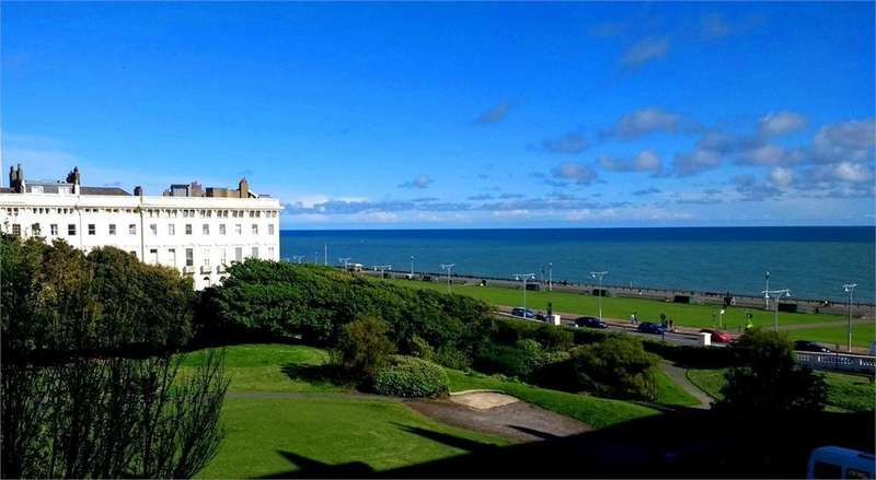 1 Bedroom Flat for sale in Adelaide Crescent, Hove, East Sussex