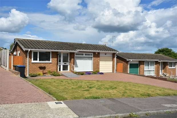 2 Bedrooms Detached Bungalow for sale in Detling Avenue, Broadstairs, Kent