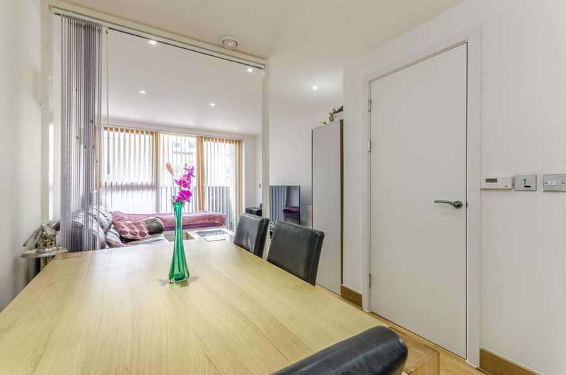 1 Bedroom Flat for sale in New Kent Road, Elephant and Castle, SE1
